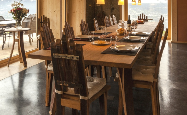 barriquetische aussergewhnle massivholz mbel tische sthle. Black Bedroom Furniture Sets. Home Design Ideas
