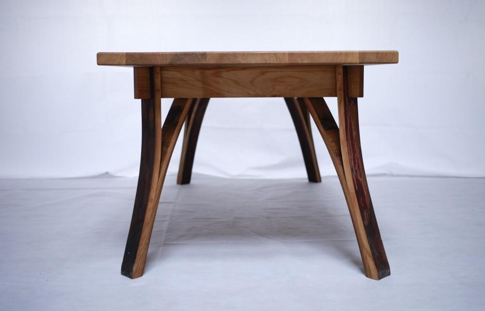 Aussergewhnle Massivholz-Mbel-Tische-Sthle aus ...